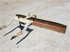 International 200 2-Pt Blade