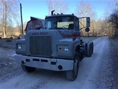 1981 Mack R688ST T/A Truck Tractor