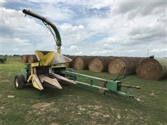 John Deere 3960 2-Row Narrow Pull-Type Forage Harvester