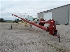 Farm King 1070 Auger