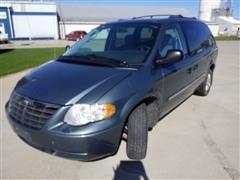 2005 Chrysler Town & Country Sport Van