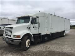 1986 International S2300 Box Truck