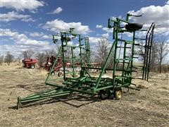 John Deere 1000 35' Field Cultivator