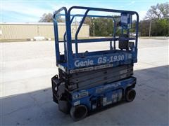Genie GS-1930 2 Man Scissor Lift 19' Platform Height