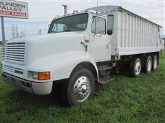 1991 International 8200 Tri/A Grain Truck