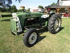 1969 Oliver 550 2WD Tractor