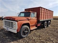 1979 Ford F700 Grain Truck