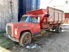 1973 International LoadStar 1600 S/A Feeder Truck W/Roorda Box