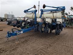 2011 Kinze 3200 12R30 Planter