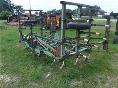 John Deere 1100 22' Folding Field Cultivator
