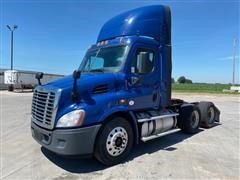 2014 Freightliner Cascadia CA113 T/A Day Cab Truck Tractor