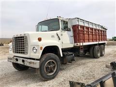 1974 Ford 8000 T/A Grain Truck