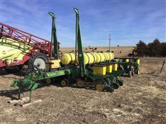 John Deere 7200 12 Row Planter W/Fertilizer