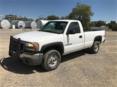 2003 GMC Sierra 2500HD 4x4 Pickup