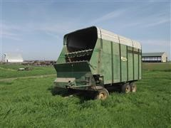 Badger BN950 Front Unload Silage Wagon