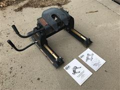 Curt R5 16516 Adjustable 5th Wheel Plate