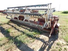 International Harvester 810-15 Header