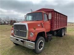 1975 Ford LT8000 T/A Grain Truck