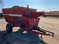 Schwartz 780 Pull-Type Feed Wagon