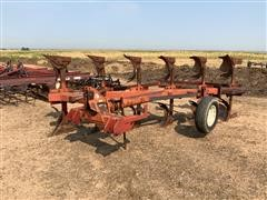 International 155 6 Bottom Rollover Plow