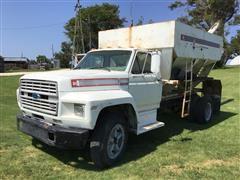 1981 Ford F-700 Tender Truck