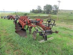 International 735 Variable Width 5-Bottom Plow