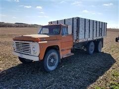 1972 Ford F750 T/A Grain Truck