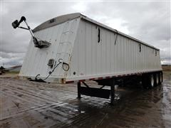 2008 Farm Master 460/238 Tri/A Hopper Bottom Grain Trailer