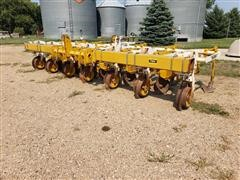Buffalo 4600 Series 6R30 Row Crop Cultivator
