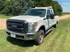 2015 Ford Super Duty F350 Pickup/Service Box