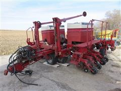 Case International 955 Solid Row Crop Trailing Planter