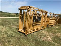 Sioux Squeeze Chute W/Automatic Head Gate