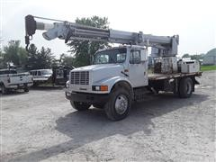 1991 International 4900 Crane Truck