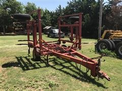 Sunflower 19' Chisel Plow