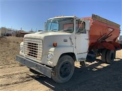 1974 Ford 7000 Feed Truck