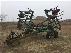 John Deere 610 Integrated Chisel Plow