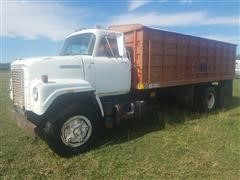1977 International Harvester Fleet Star 2010 T/A Grain Truck