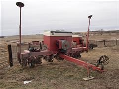 Case IH 950 Cyclo Air Pull Type Planter