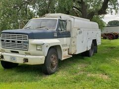 1981 Ford F700 Fuel Truck