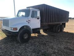 1995 International 4700 T/A Grain Truck