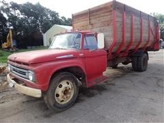 1962 Ford 600 S/A Forage Truck W/16' Roorda Rear Unload Forage Box