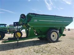 J&M 1326 Grain Cart