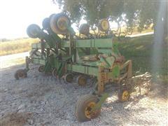 John Deere 845 12R30 Row Crop Cultivator