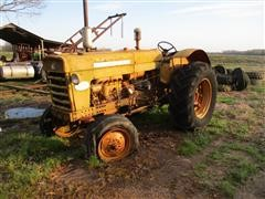 1963 International 560 2WD Tractor