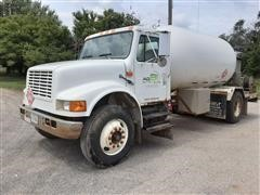 1998 International 4900 S/A Propane Truck W/2600-Gallon Tank