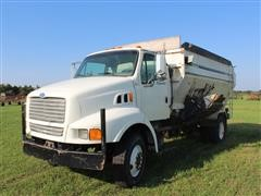 1997 Ford Louisville S/A Truck W/4052 Botec Feed Mixer Box