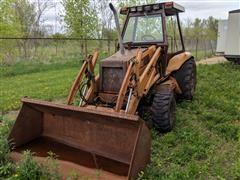 Case Construction King Tractor W/580K Loader Bucket