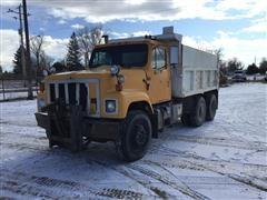1989 International 2574 T/A Dump Truck