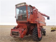 International 1460 Axial-Flow 2WD Combine