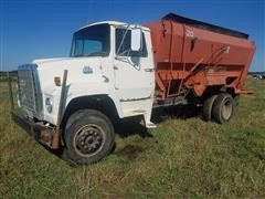 1980 Ford LN800 Feed Truck